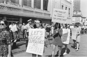 picketing-miss-america-pageant-1968